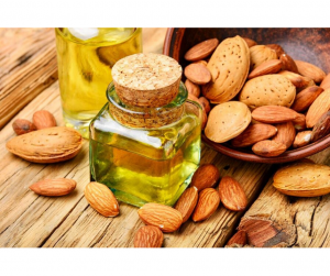 DIY HOMEMADE ALMOND OIL TONER FOR WINTER SKIN