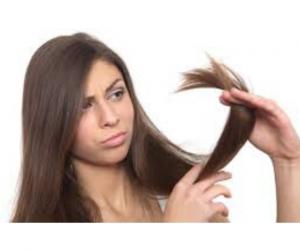 DIY HAIR MASK FOR SPLIT ENDS